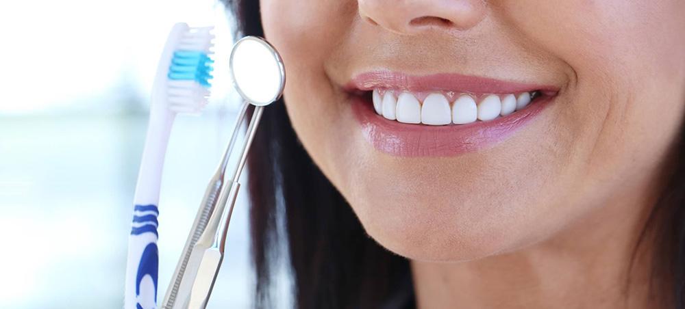 regularne przeglądy stanu uzębienia - stomatologia zachowawcza